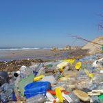 塑膠垃圾不再萬年不滅,回收煉油換燃料
