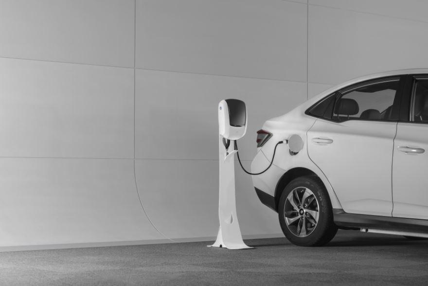 【創業超新星】綠色循環-起而行綠能充電系統  迎向電動車大未來
