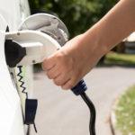 電動車日漸普及 對傳統電網是負荷還是生機?