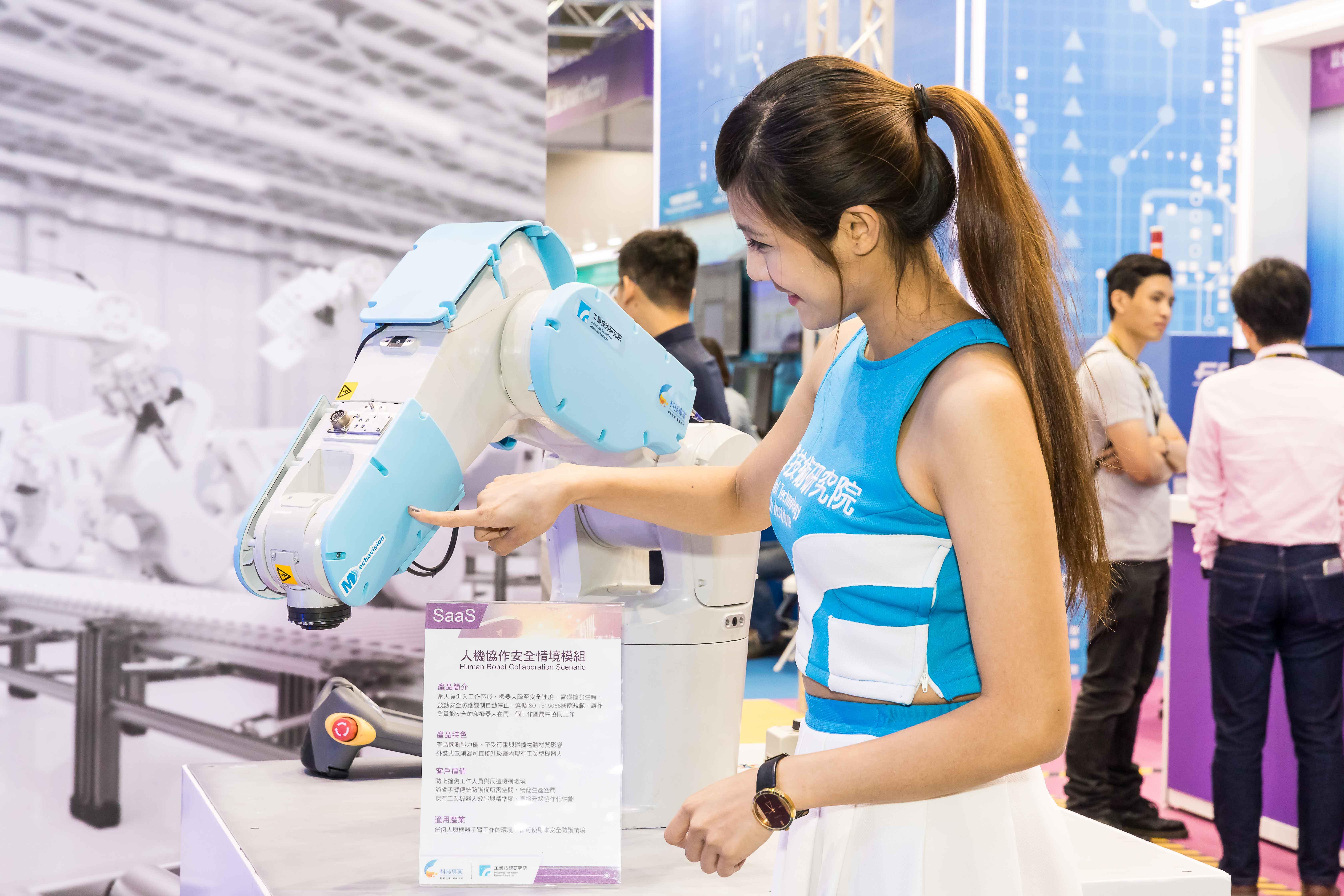 工業機器人智慧升級 布局全球市場