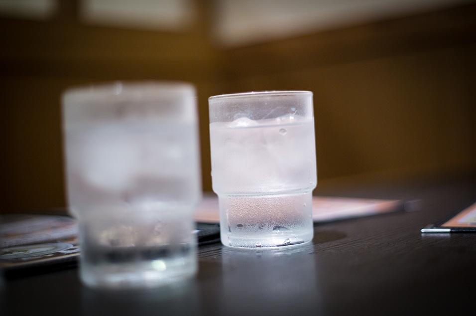 一杯冰水的啟發… 玻璃切削技術大突破